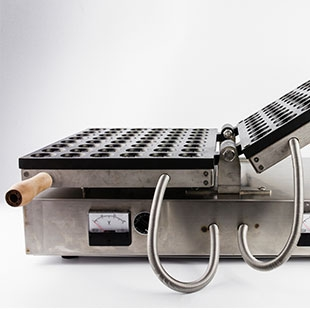 Checkerboard Waffle Machine